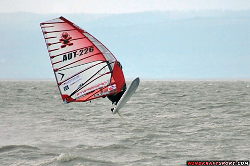 I should not jump on Slalom gear (pic: windkraftsport.com)