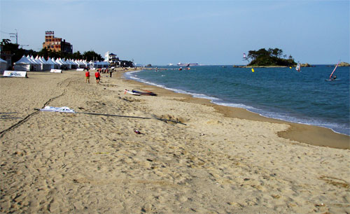 Jinha beach, the pearl of Ulsan (pic: Chris Pressler).