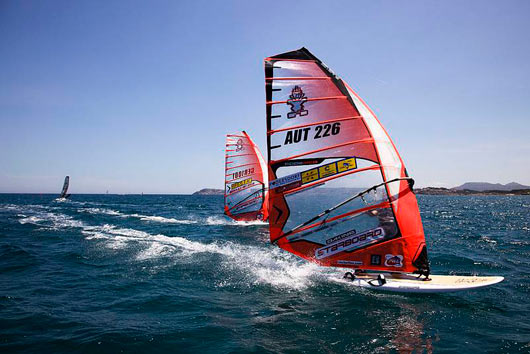 The warmup with Oliver-Tom together (pic: John Carter, PWAworldtour 2009).
