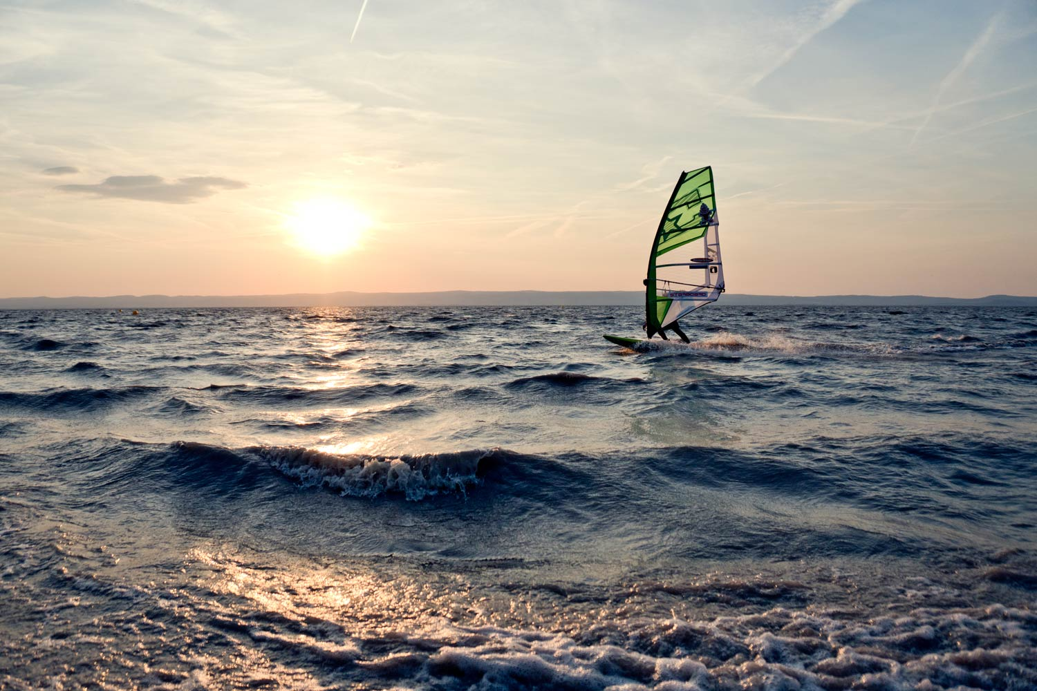 Gliding through the sunset in Podersdorf (Photo by Kerstin Reiger)