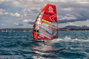 Onshore breeze for 9.0m by John Carter